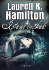 Laurell K. Hamilton - Isteni v�tkek